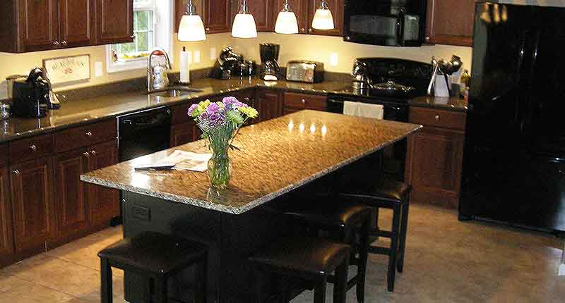 Kitchen island breakfast bar pictures ideas from hgtv Granite counter support